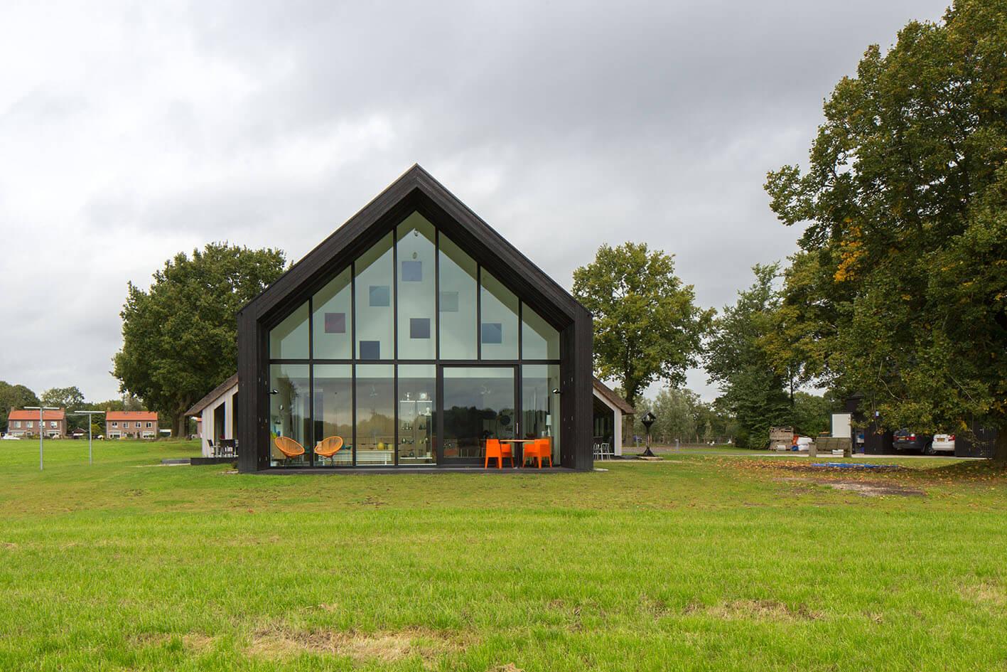 Het verschoven huis onix architecten for Huis programma